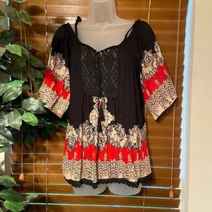 Black & Red top, Size M